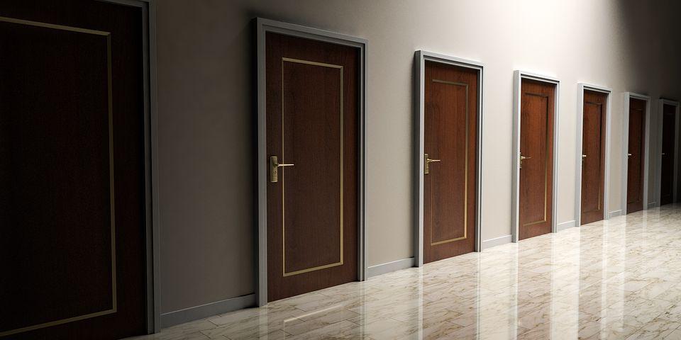 doors-1613314__480